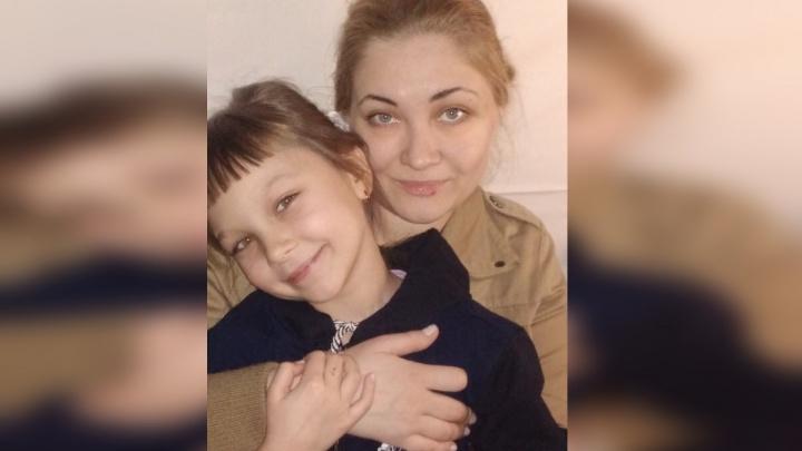Женщина увезла родную дочь в Красноярск и была обвинена в похищении