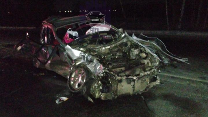 Женщина-водитель погибла в жутком массовом ДТП с грузовиками на трассе