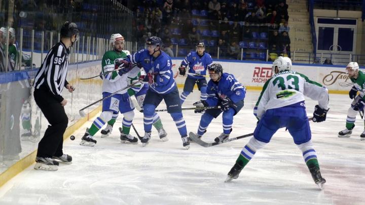 Хоккеисты «Зауралья» на домашнем льду обыграли «Торос»