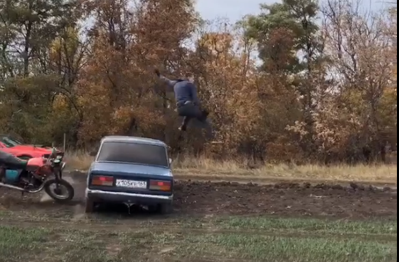 Ростовский каскадер Евгений Чеботарев получил травму во время трюка