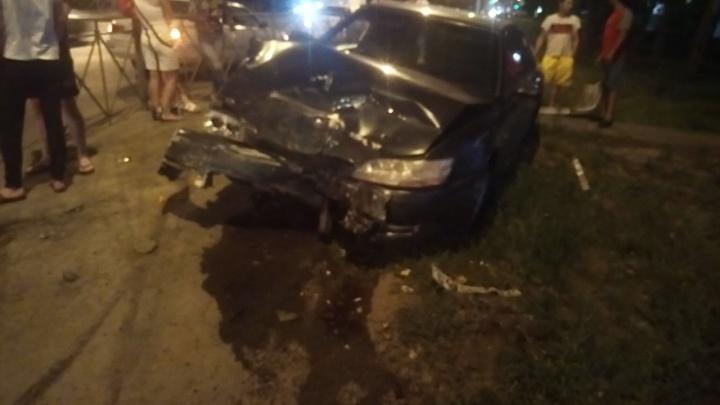 В Кировском районе столкнулись две «Тойоты»— одна из них лишилась колеса