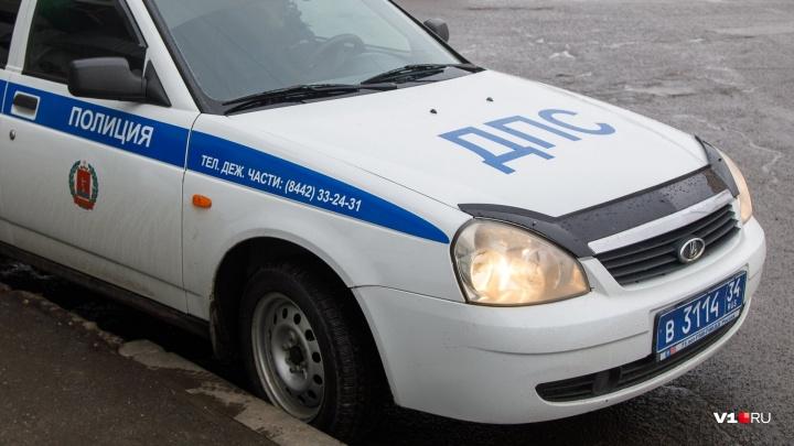Волгоградского пенсионера хотят посадить на три года за «жизнь» с молодой иностранкой