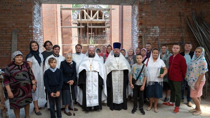 РПЦ возобновила стройку храма в cаду Дзержинского