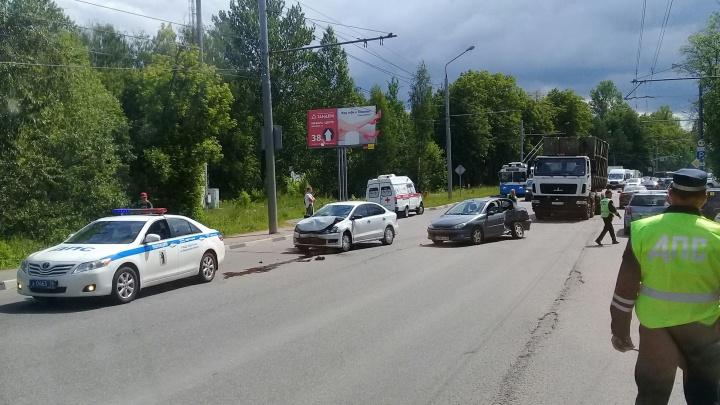 В ДТП в Ярославле пострадали 4-летняя девочка и 11-летний мальчик