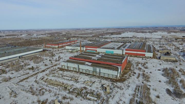 Суд вернулся к иску строителей ферросплавного завода на 23,5 миллиарда к красноярским чиновникам