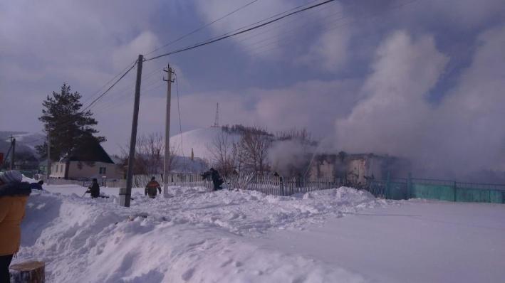 «Они дымом надышались»: 18-летняя девушка рассказала о гибели мамы и брата на пожаре в Башкирии