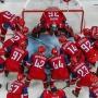 Президент России произвёл вбрасывание шайбы перед матчем «Локо» на Кубке мира «Сириус»