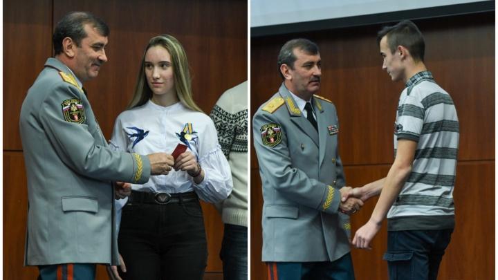 Бросилась за девочкой в воду и сама начала тонуть: истории двух отважных детей с Урала