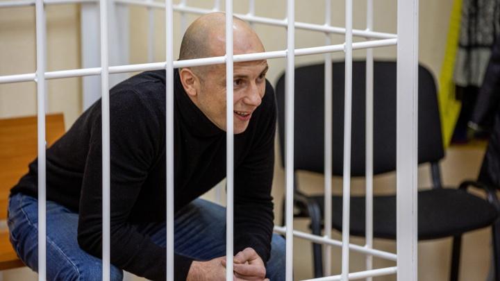 В Новосибирске начался суд по делу о похищении бегуньи Елены Рухляды: процесс закрыли для публики