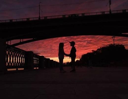 На Новосибирск спустился фиолетовый закат