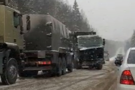 «Около двадцати машин в кюветах»: на Серовском тракте автомобилисты массово попадают в ДТП
