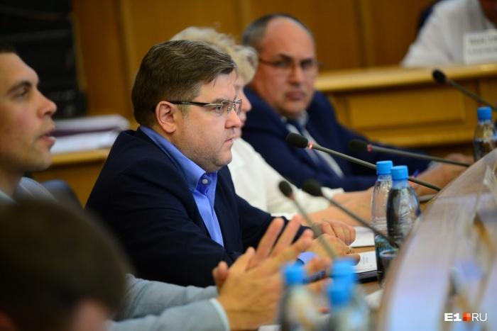 По словам Ильи Захарова, опрос обойдется в 13 миллионов рублей