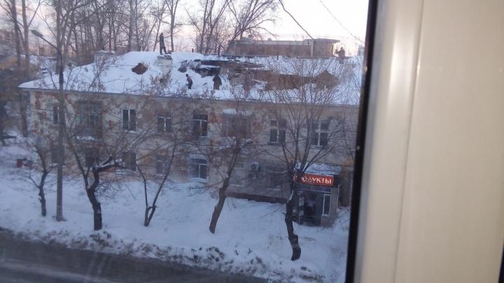 Директор управляющей компании получил штраф за рухнувшую крышу дома на Богдашке