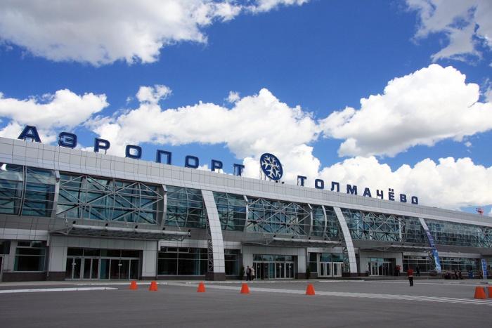 Пограничники развернули женщину в аэропорту Толмачёво