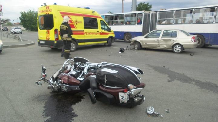 На Юго-Западе произошло ДТП с мотоциклом, после которого байкер впал в кому