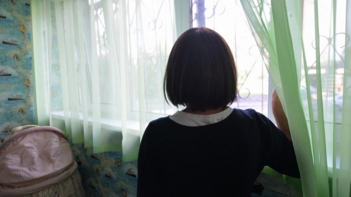 «Муж приставил к моей голове дрель, я подумала — это конец»: истории жертв тиранов и насильников