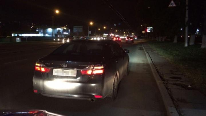 Уфимец на Toyota Camry сбил двух девушек, перебегавших дорогу