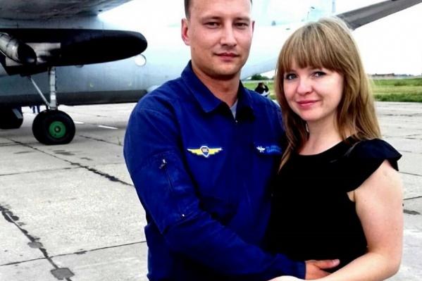 У Дениса Сафронова остались жена и двухлетний ребёнок