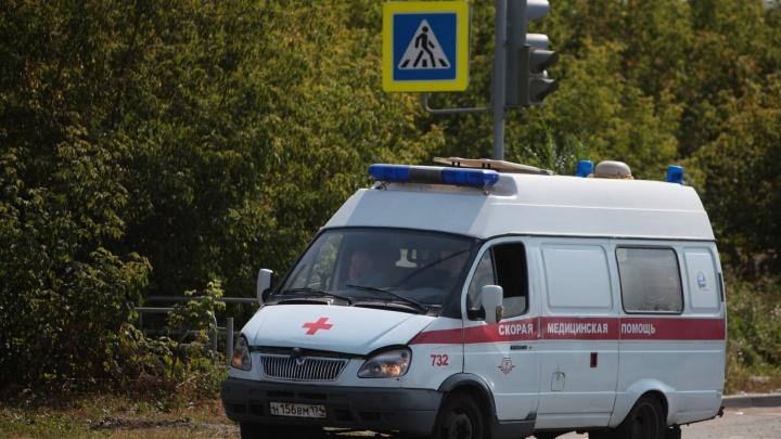 «Не дождался помощи совсем немного»: челябинец умер на остановке до приезда скорой