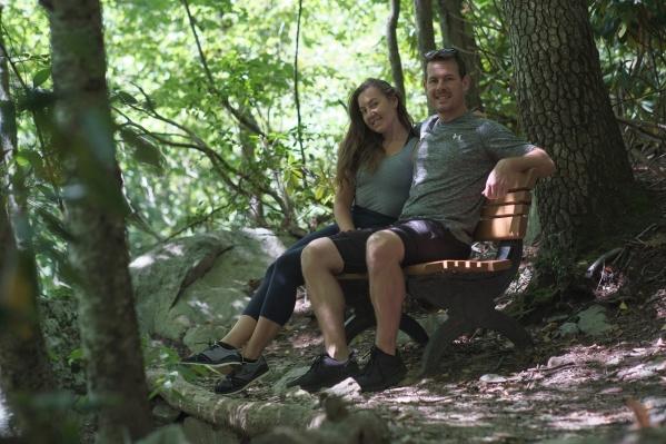 Виктория и Эндрю посчитали, что усыновить ребенка, живя в России, будет проще