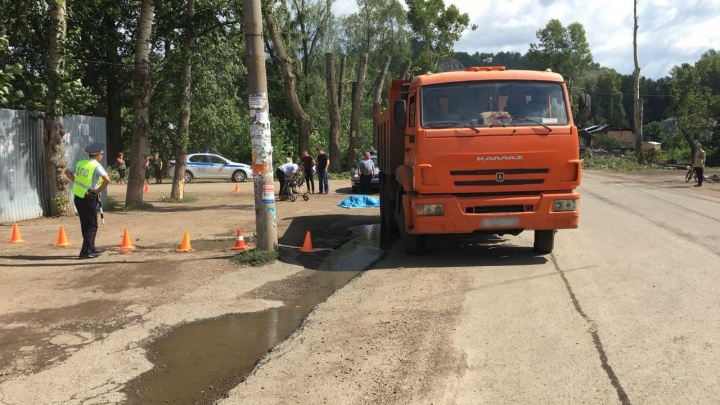 Стали известны подробности смертельного ДТП с КАМАЗом в Уфе