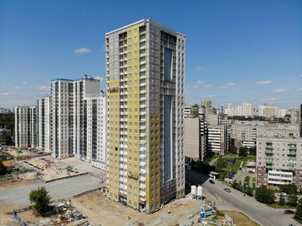 25-этажная высотка III очереди строительства «Новой Ботаники» заведена под крышу, ведутся фасадные и внутренние отделочные работы