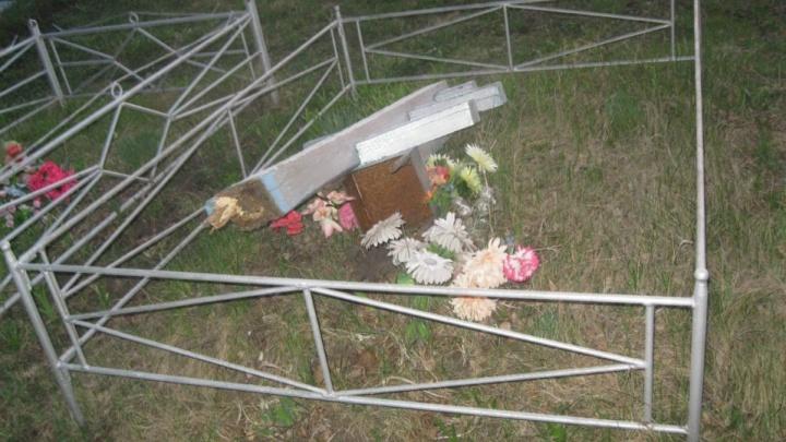 В башкирской деревне в День Победы хулиганы разворотили могилы