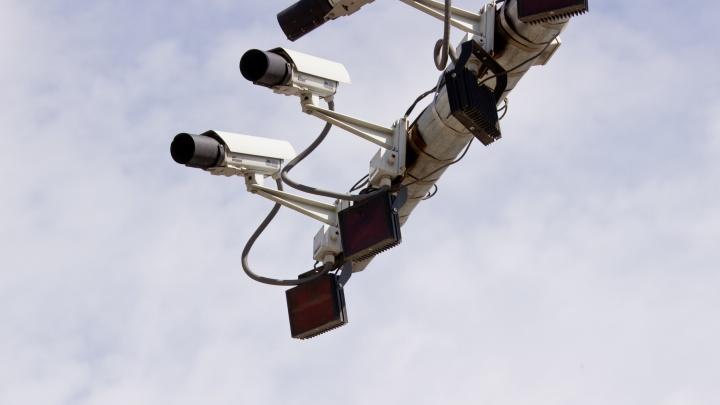 К вафельной разметке на Жуковского добавили камеры для слежки за нарушителями
