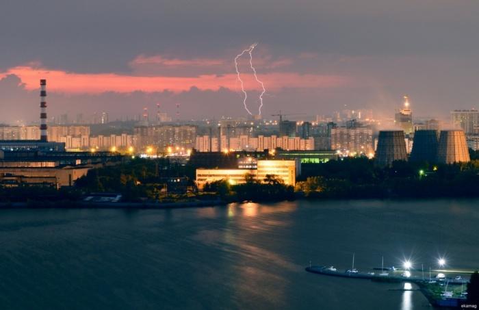 Минувшей ночью в Екатеринбурге разбушевалась гроза