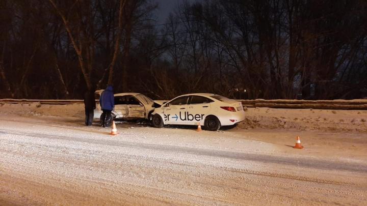 «Водитель Toyota в реанимации»: три человека попали в больницу после ДТП на Винаповском мосту