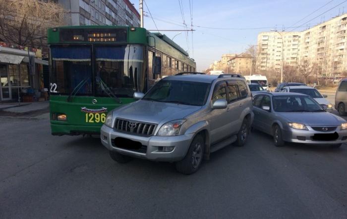 Водитель Toyota Prado свою вину признал, отмечает «Автоспас»