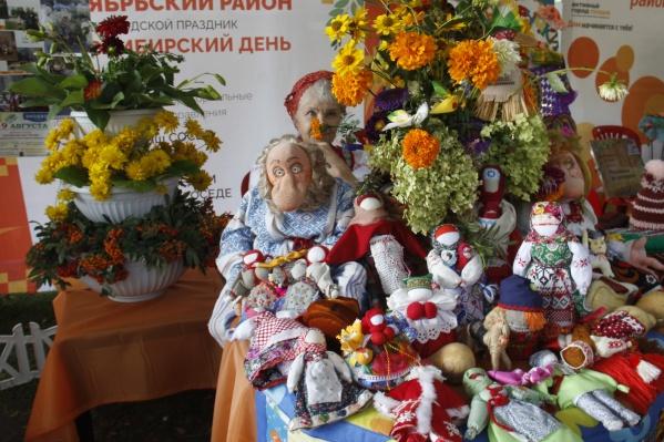 Участники фестиваля&nbsp;— различные ТОС Новосибирска. Их представители расскажут о своих инициативах и проектах по благоустройству дворов<br><br>