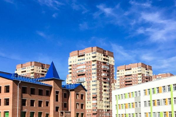 Здание будущего детского сада находится рядом со строящейся школой в районе улиц Бориса Житкова и Янтарной