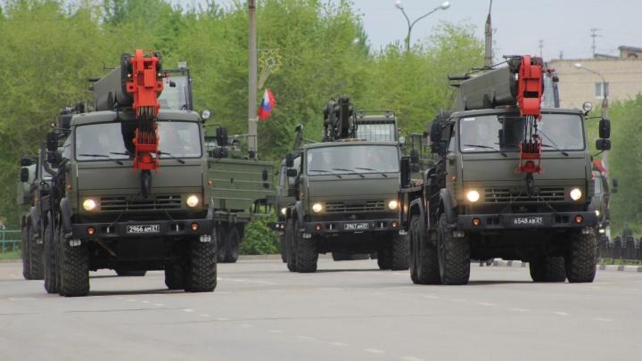 Марш боевых экскаваторов: в Волжском на парад впервые выйдет инженерная техника