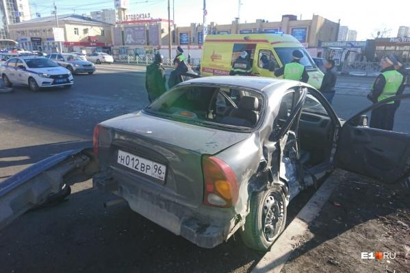 Водитель подставил под удар пассажиров
