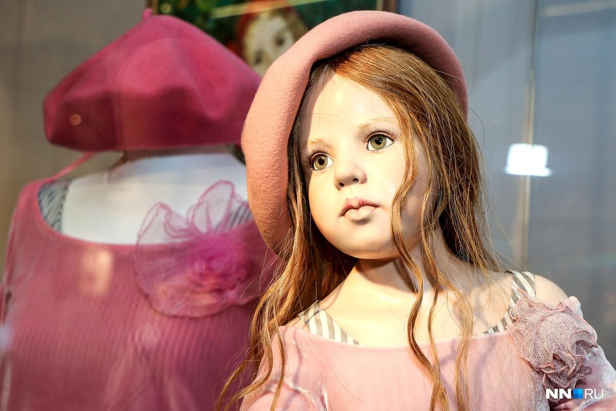 Куклы действительно кажутся живыми