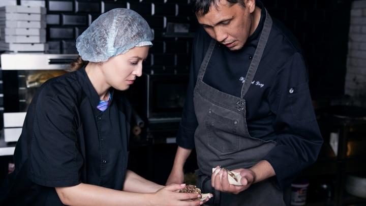 От узбекских мантов до турецкого пиде: журналист весь день готовила с поварами известных ресторанов