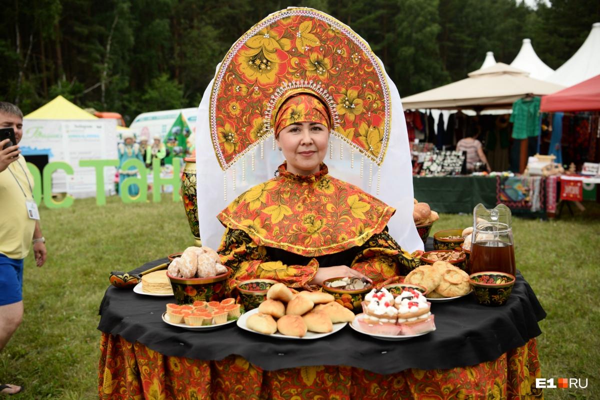 Гости могли попробовать блюда национальной кухни