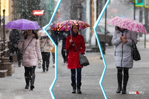 Раскрасить снежные улицы помогают яркие аксессуары