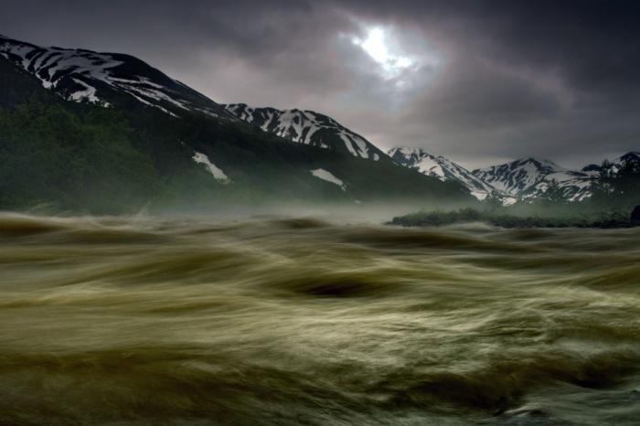 Река Мутновская на полуострове Камчатка