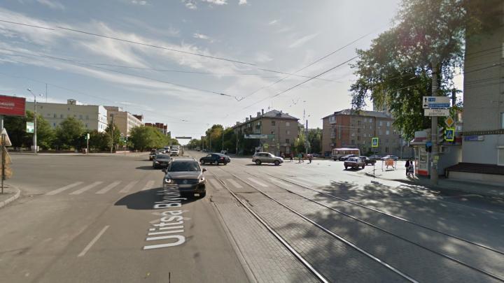 На крупном перекрёстке в Советском районе Челябинска отключили светофоры