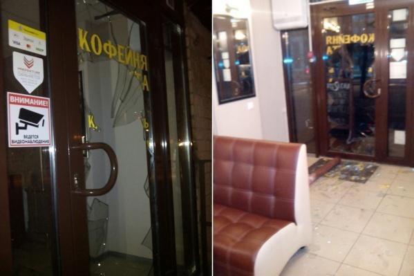 Владельцы кофейни второй раз пострадали от рук вандалов