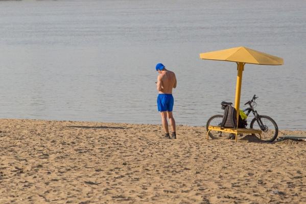 Купаться вне официальных пляжей не рекомендуется
