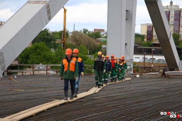 Работы на Фрунзенском мосту вступают в новый этап