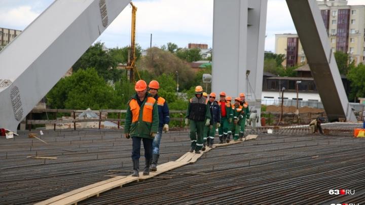 Из-за строительства Фрунзенского моста на месяц ограничат движение