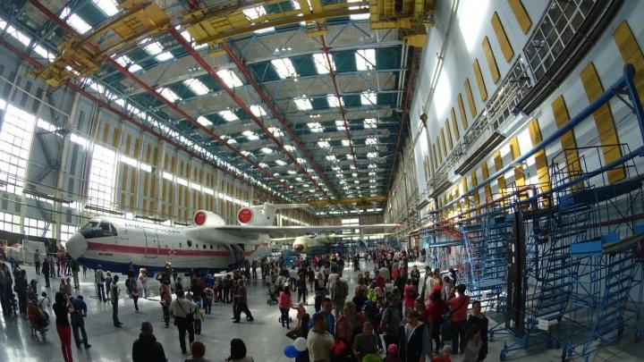 Сотрудников авиазавода в Таганроге пока не сократят