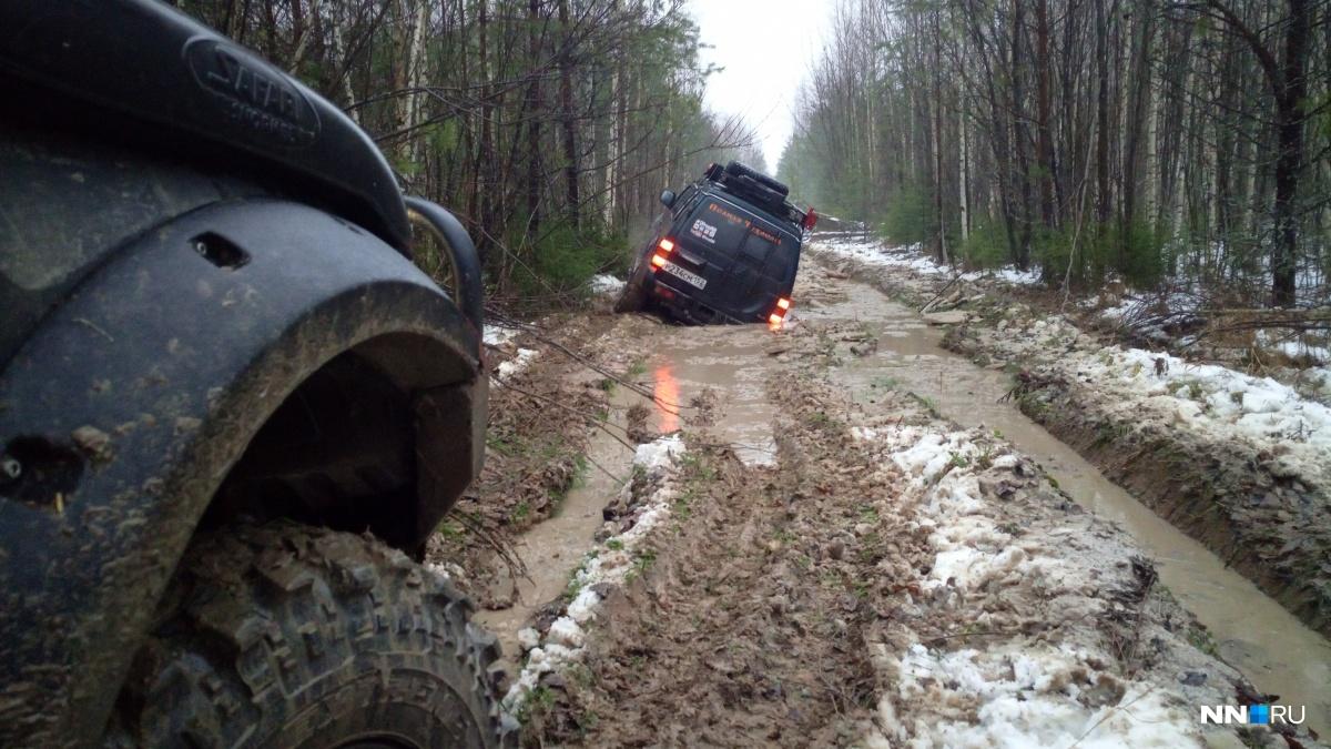 «Полная Чухлома» — это краеведческая экспедиция по лесам по полям и болотам Костромской области недалеко от города Чухлома