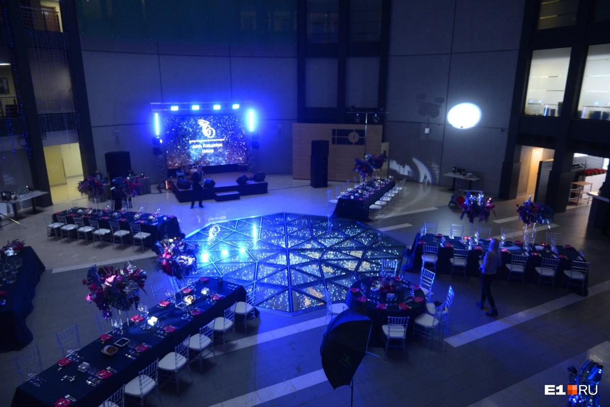 Так выглядел зал до прихода гостей