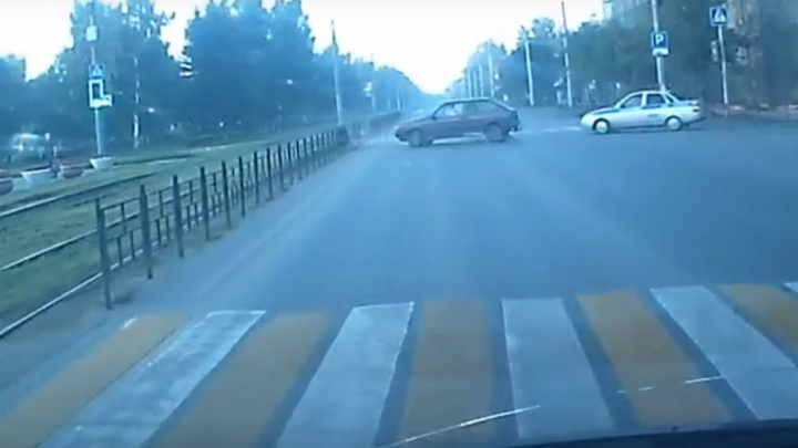 Полиция через весь город гналась за 18-летним водителем без прав