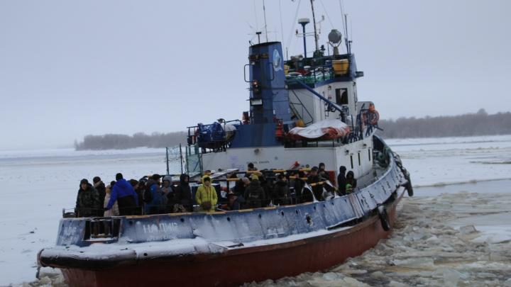 В период ледохода для «островитян» Архангельска возобновятся бесплатные перевозки на буксирах